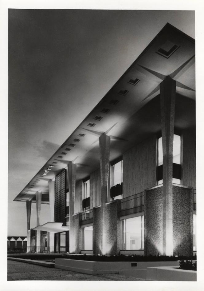 Traci Lesneski - Tulsa City-County Central Library - Central_g
