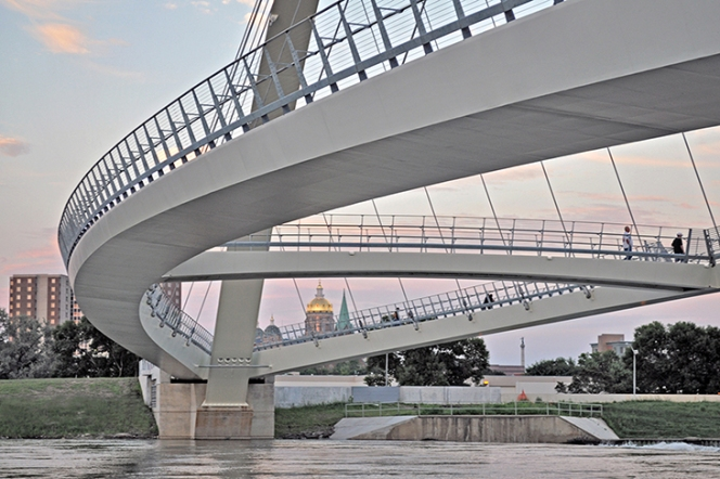 Safdie Rabines-Des Moines Center Street Bridge